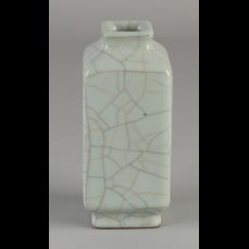Vierkante Chinees porseleinen celadon vaas.