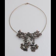 Zilveren choker, 835/000, met hanger.