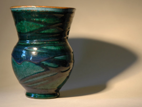 Vaas met blauw slibdecor