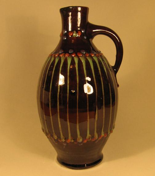 Hoge vaas met slibdecor