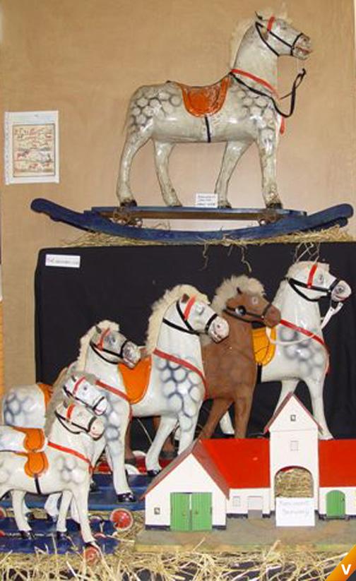 NB Beeusaert kartonnen paarden