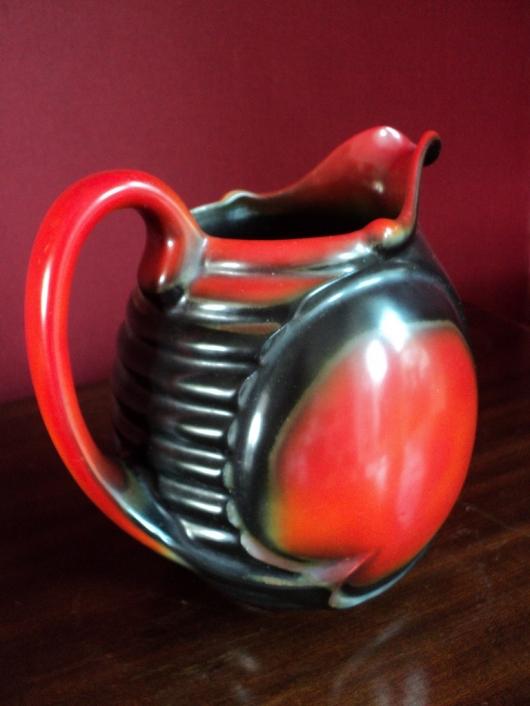 Rood-Zwarte vaas van Mosa Maastricht