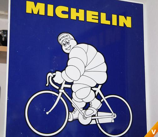 Blikken bord voor fietsbanden