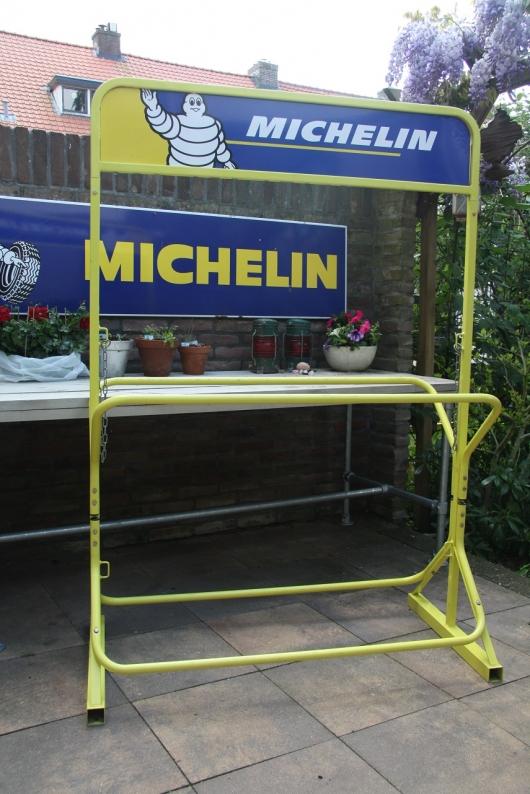 presentoir Michelin